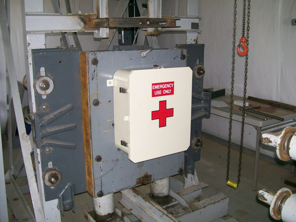 SHOCK TEST B-7A-9 FIRST AID BOX Picture 001