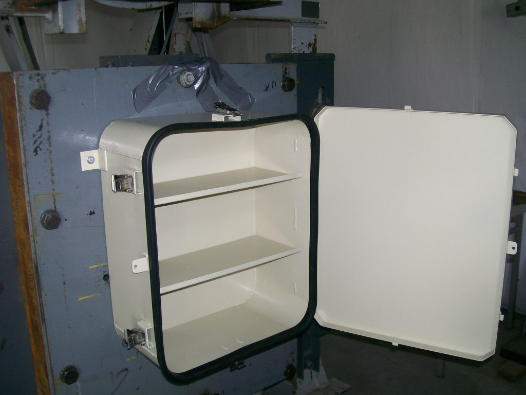 SHOCK TEST B-7A-9 FIRST AID BOX Picture 002