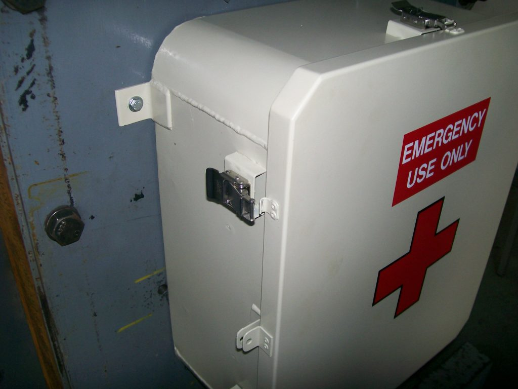 SHOCK TEST B-7A-9 FIRST AID BOX Picture 004