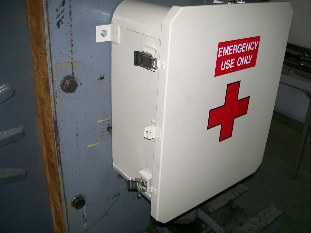 SHOCK TEST B-7A-9 FIRST AID BOX Picture 005